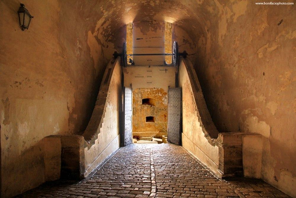 Porte de Gênes