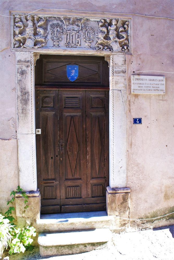 Porte de la maison où a séjourné Charles Quint