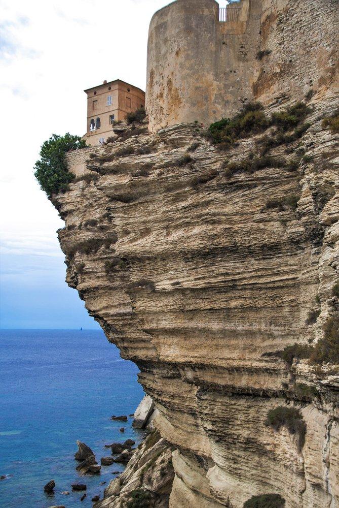 Bonifacio, vue de la plage de Sutta Rocca