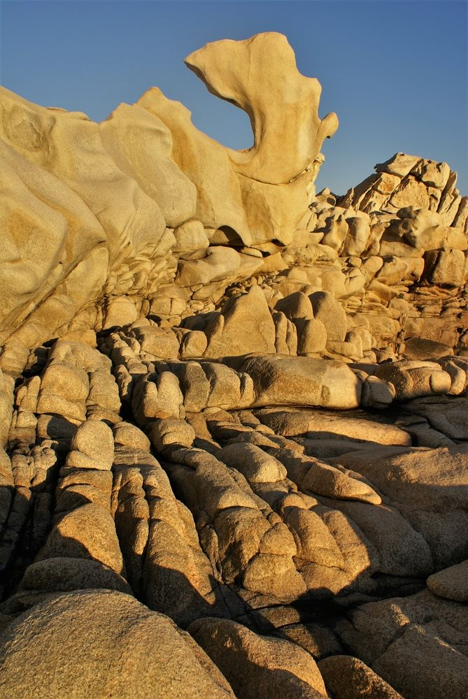 Le rocher du Dauphin, au coucher du Soleil