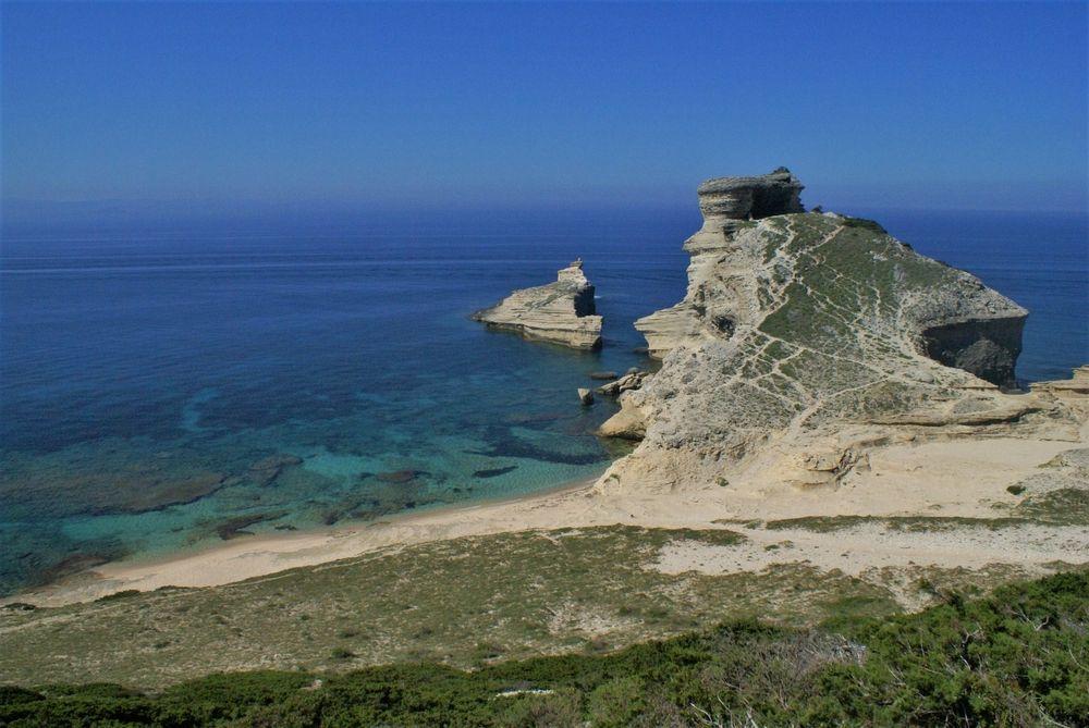 Le Cap Pertusato et la plage Saint Antoine