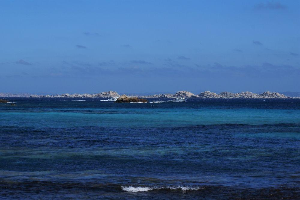 Les îles Lavezzi, vues de la plage de Piantarella
