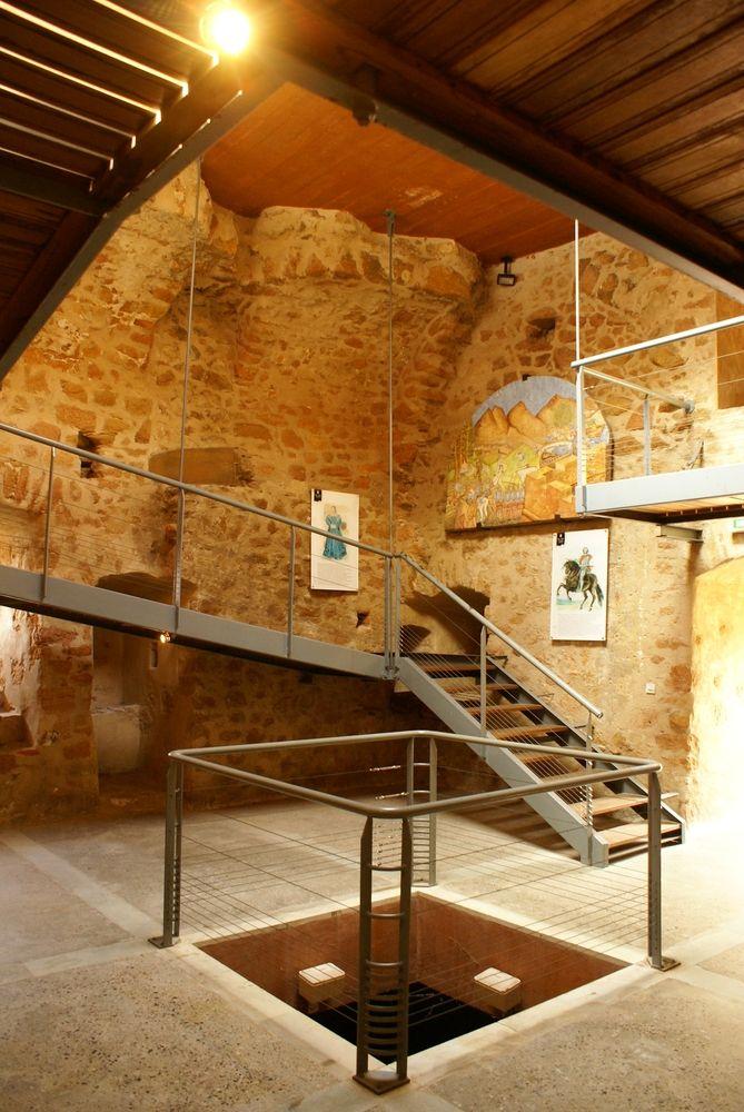 Intérieur de la tour génoise de Porto